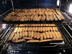 baking sliced biscotti