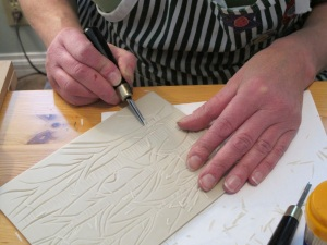 hands carving