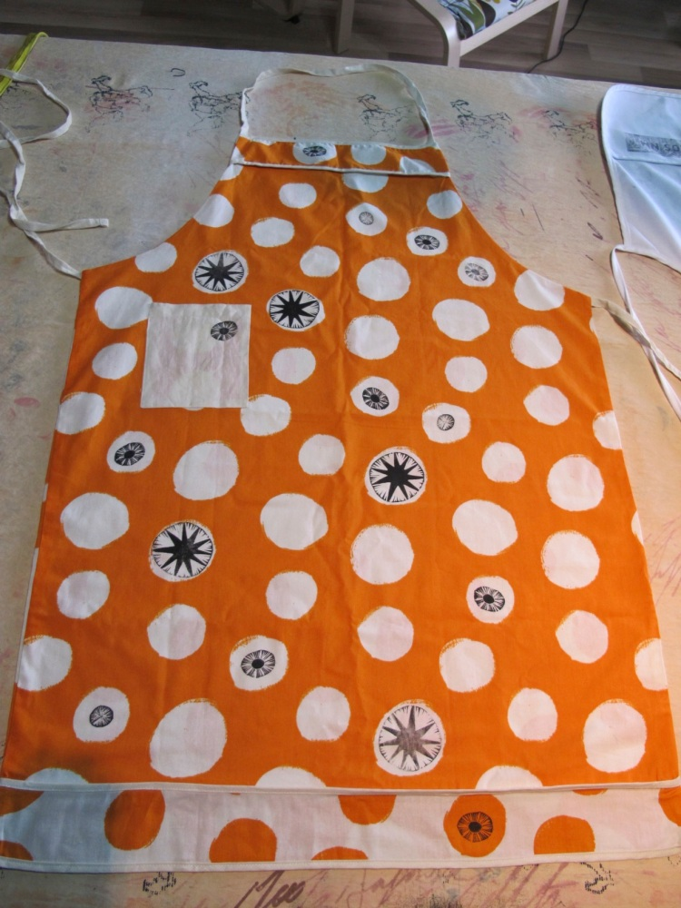 orange spotted apron