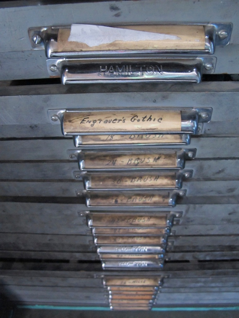 typesetting drawer handles