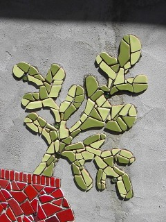 green curvey plant