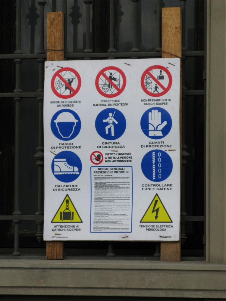 Italian construction sign