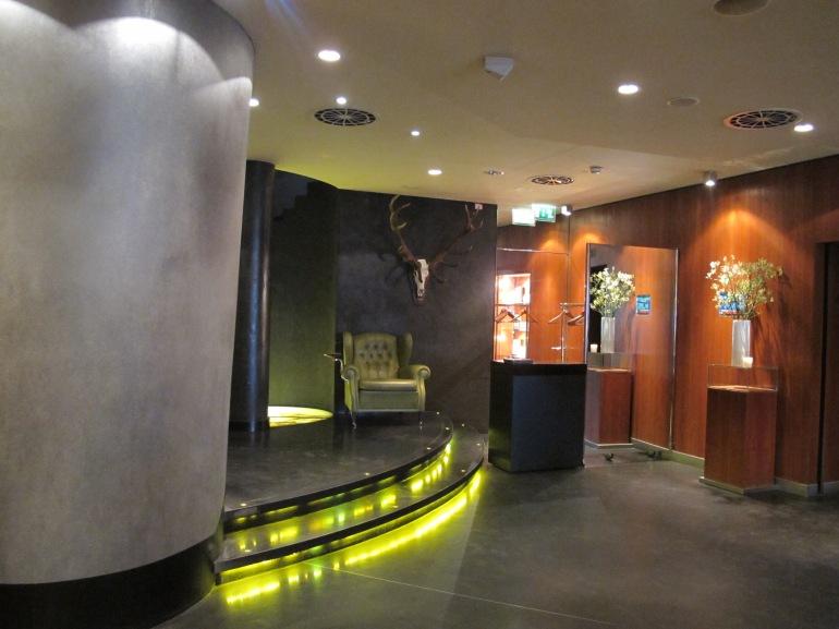 hotel lobby - Do & Co