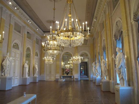 palace room 2