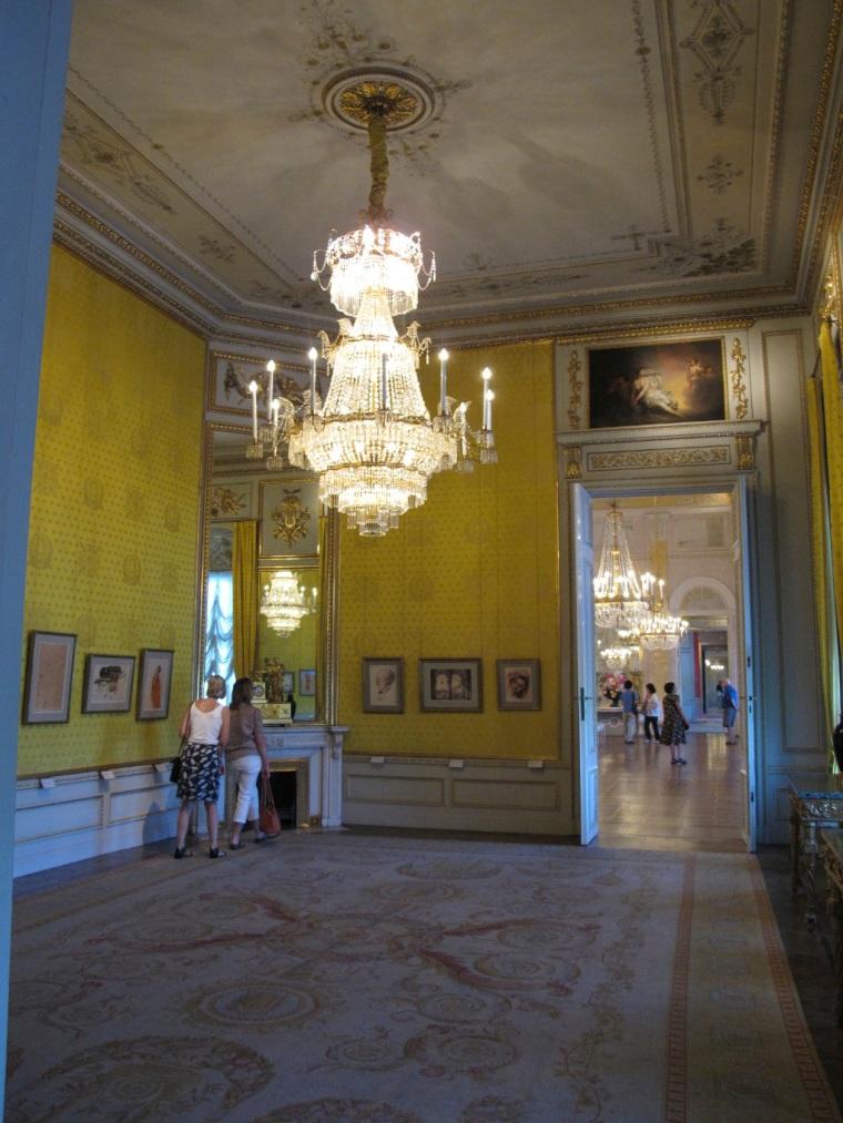 palace room 3