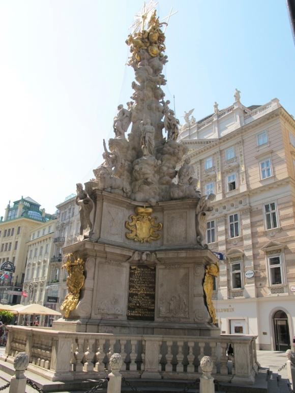 sculpture on Graben