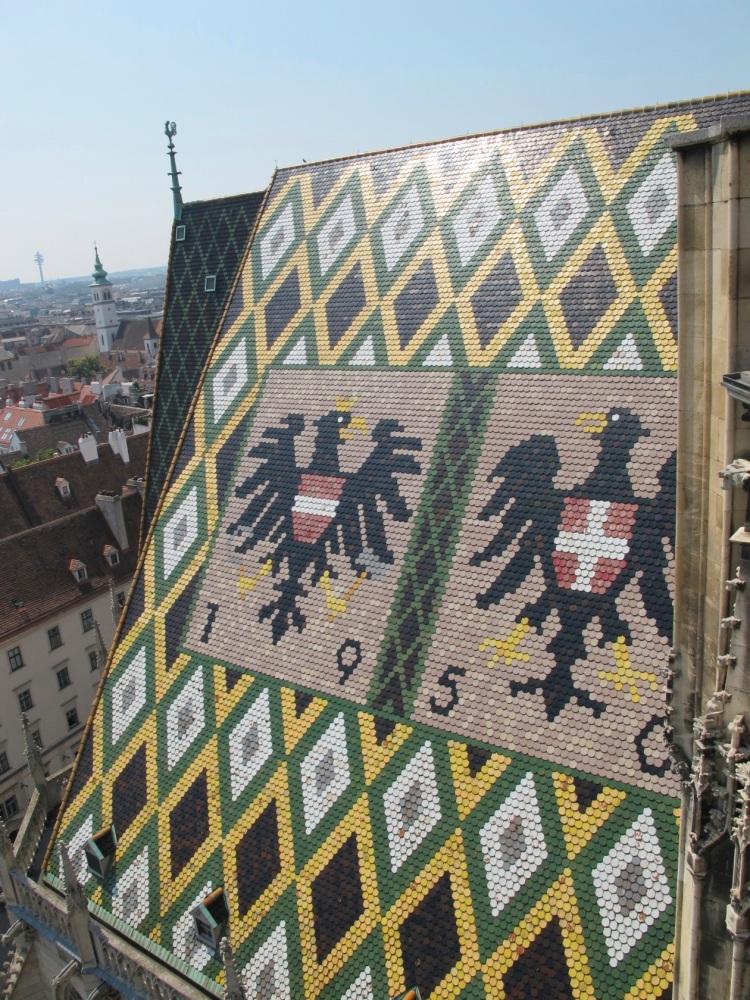 bird roof tile pattern