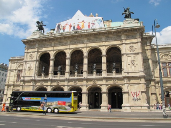 exterior Vienna Opera House