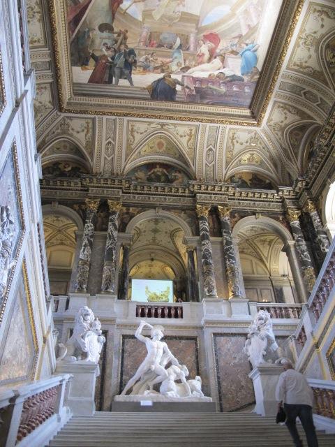 entry stairway, Kunsthistorisches Museum Vienna, Austria