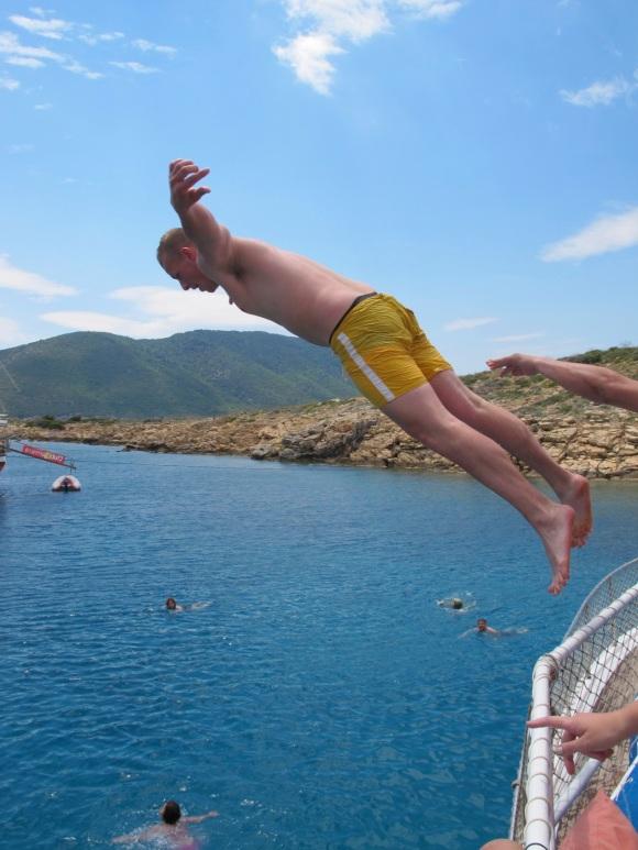 brave diver