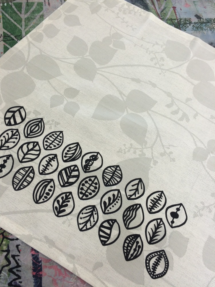 leaf design on napkin